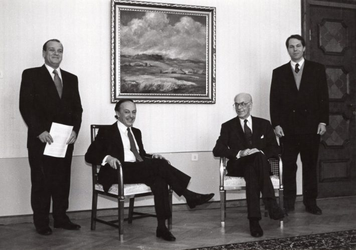 Ambassador Godinho after presenting his credentials to President Lennart Meri at Kadriorg Palace. Secretary General of the Ministry of Foreign Affairs Alar Olljum. Photo: Voldemar Maask, 4 March 1993