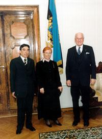President Lennart Meri võttis vastu Portugali suursaadik Filipe Guterrese volikirjad. Foto: Presidendi Kantselei