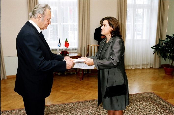 Ambassador Zacarias presents her credentials to President Arnold Rüütel on 21 November 2005. Photo: Ministry of Foreign Affairs of Estonia
