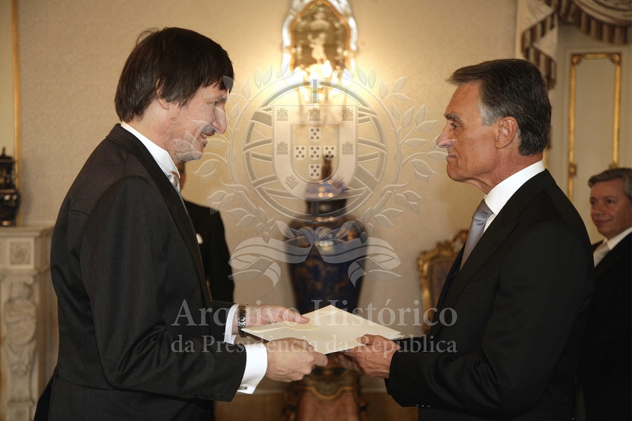 Eesti suursaadik Mart Tarmak esitas oma volikirjad Portugali president Aníbal António Cavaco Silvale. Allikas: Portugali Presidendi Kantselei arhiiv
