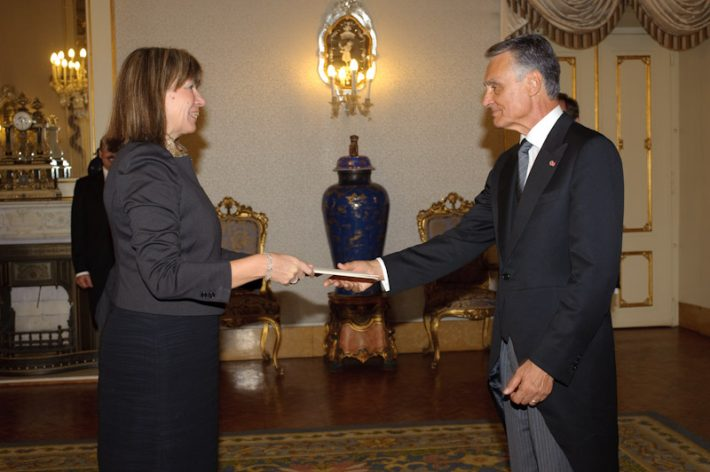 Ambassador Marin Mõttus presented her credentials to the President of Portugal Aníbal Cavaco Silva. Photo: Archives of the Embassy
