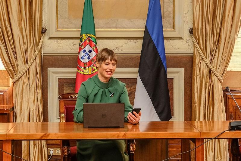 President Kaljulaid kinnitas Portugali parlamendihoones digiallkirjaga otsuse nimetada Jüri Ratas peaministrikandidaadiks. Foto: saatkonna arhiiv